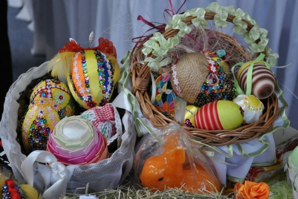 Two Easter baskets full of colourful eggs